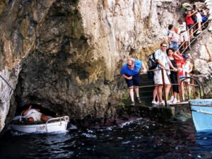 Capri Blue Grotto by land - Breakfast + Bus Tour